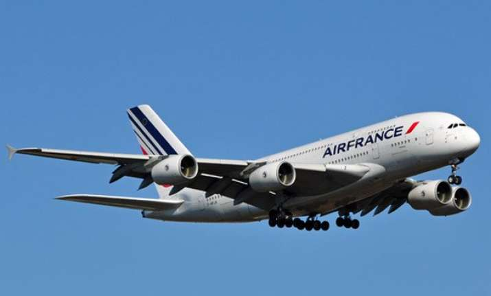 air france jet escorted by us fighters after chemical