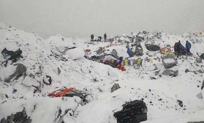 54 year old indian trapped on avalanche struck everest in
