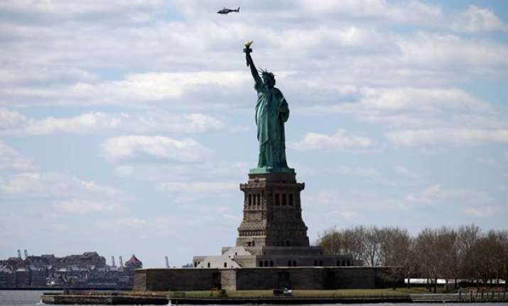 statue of liberty evacuated after bomb threat