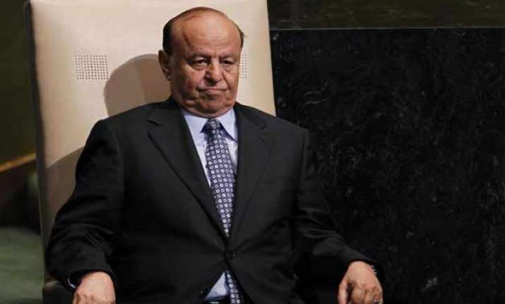 yemen s president flees country by sea amid rebel advance