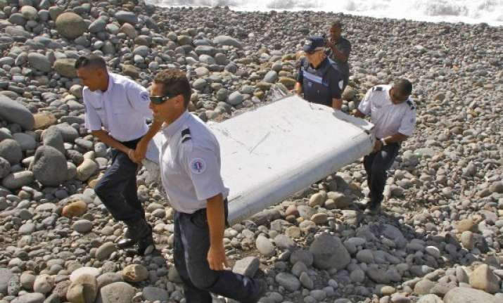 mh370 mystery experts determine wing fragment is from