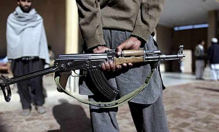 terrified doctors in pakistan carry ak 47s along with