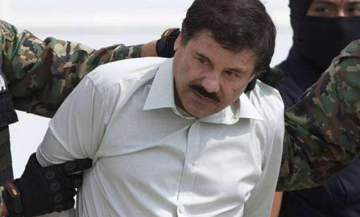 mexico drug lord el chapo guzman escapes prison through