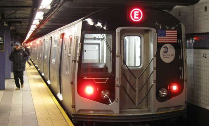 isis pranksters in new york threaten to blow up train