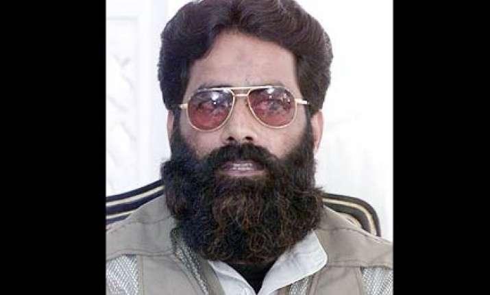 us slaps sanctions on huji its chief ilyas kashmiri