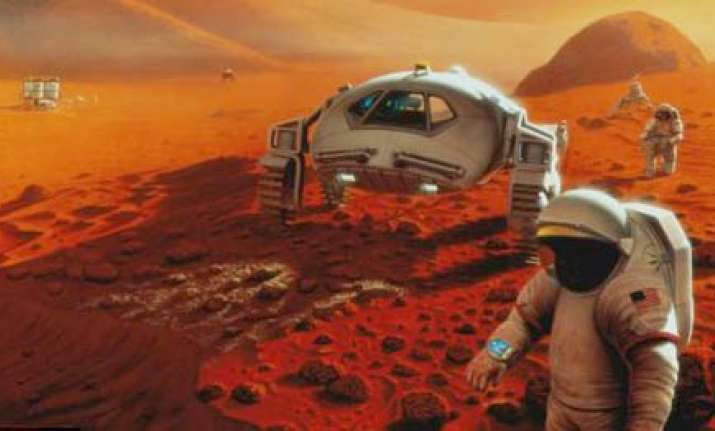hundred years starship nasa to leave astronauts on mars
