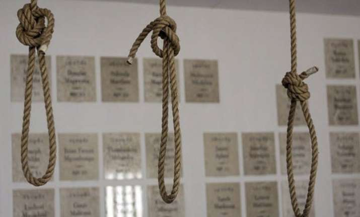 12 hanged to death in pakistan
