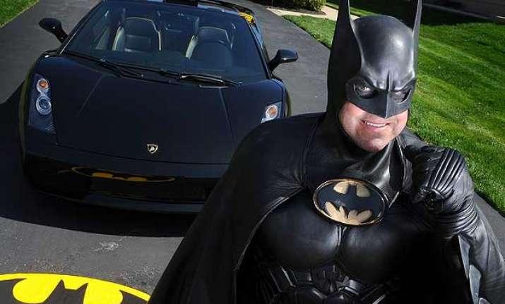 batman impersonator who did charity work dies on us roadway