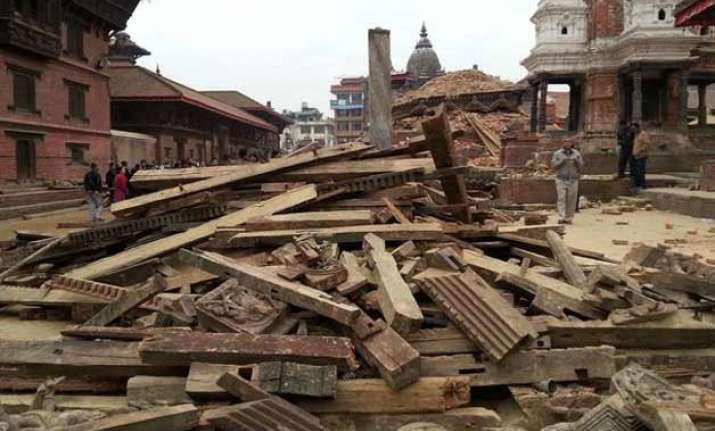 nepal quake dozens of cracked buildings collapse