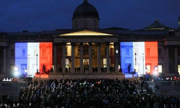 london lights up in french tricolour to mark terror deaths