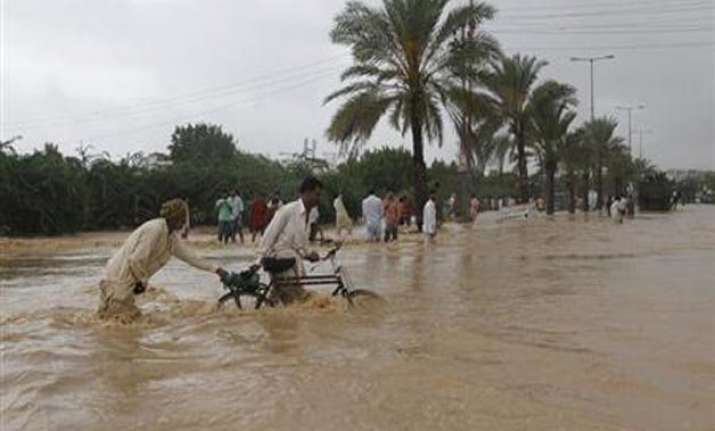 flash flood washes away 500 houses in afghanistan one killed