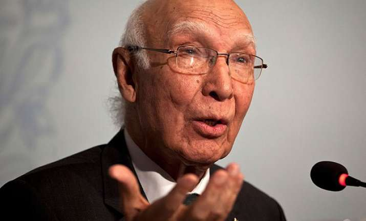 don t forget pakistan is a nuclear power sartaj aziz to pm