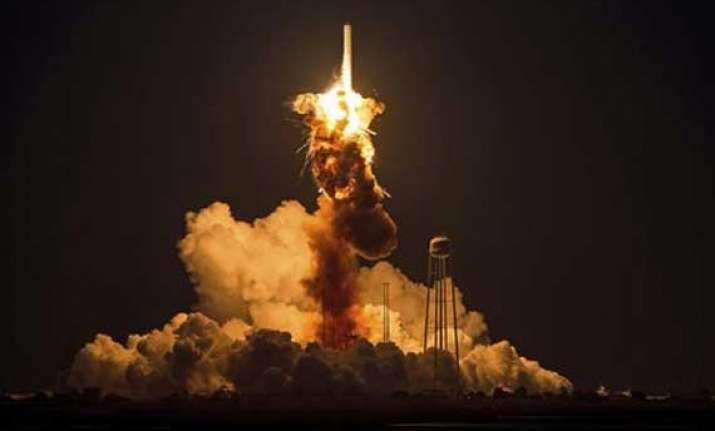 in pics us rocket antares explodes moments after liftoff