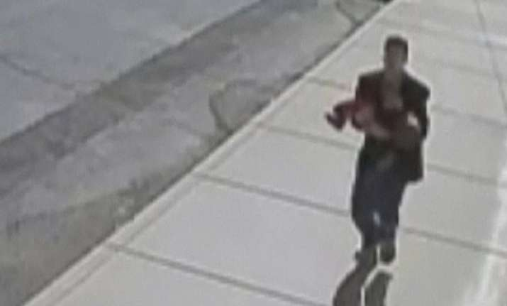 midday kidnapping attempt caught on video in small town