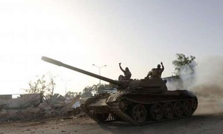 islamist militants resist assault on libya s benghazi