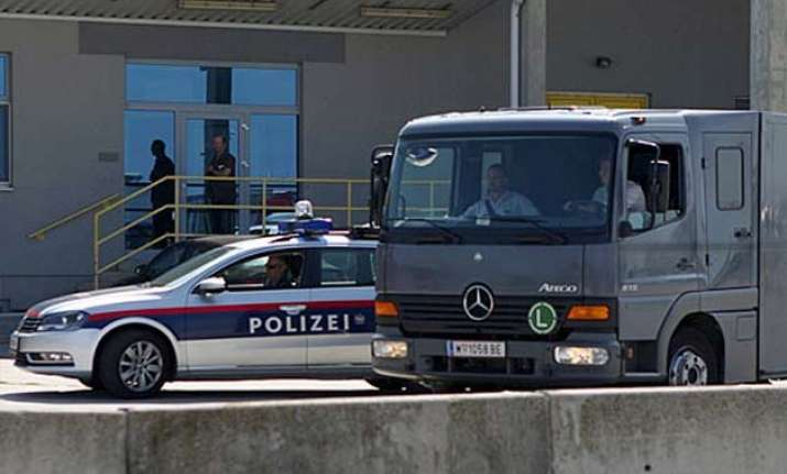 hungary 3 arrested after deaths of 71 migrants in truck