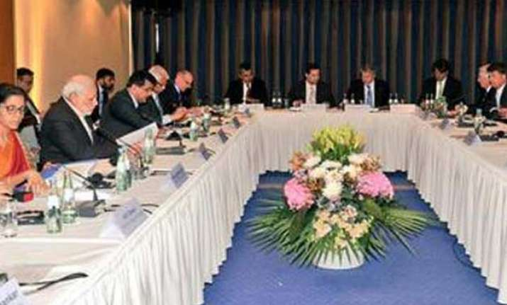 pm modi meets movers and shakers of german economy to