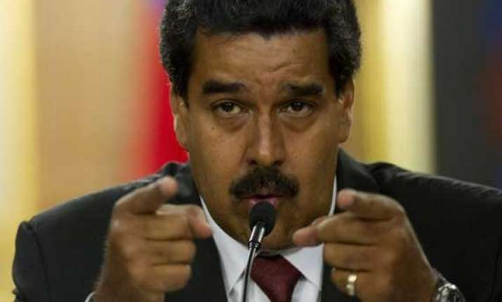 venezuela blames us for global oil price slump