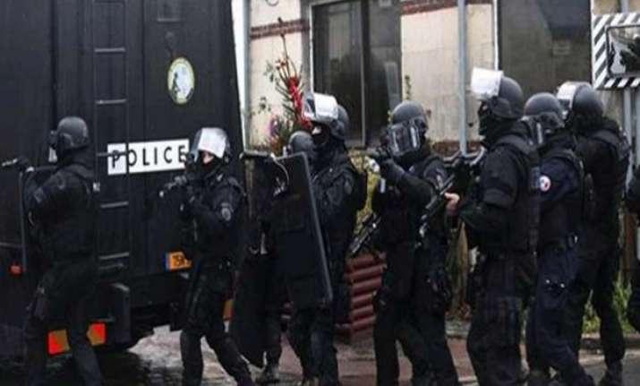 france faces 2 hostage taking attacks 1 on kosher market