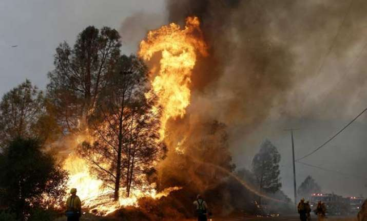 cooler weather helps crews battling california wildfire