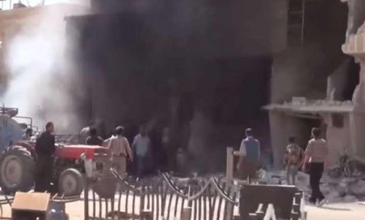 syria new russian strikes talks in paris on assad s future