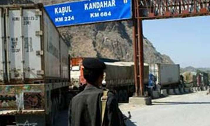 pakistan to reopen border crossing that nato uses
