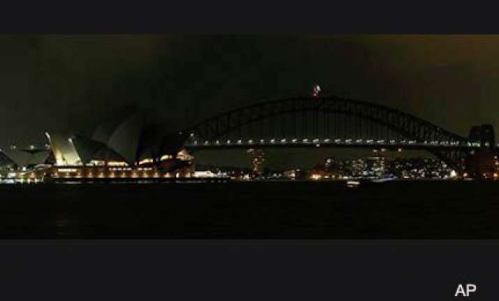 lights out in sydney as earth hour begins