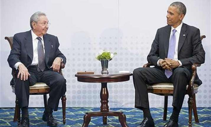 barack obama raul castro meeting overshadows anti us line