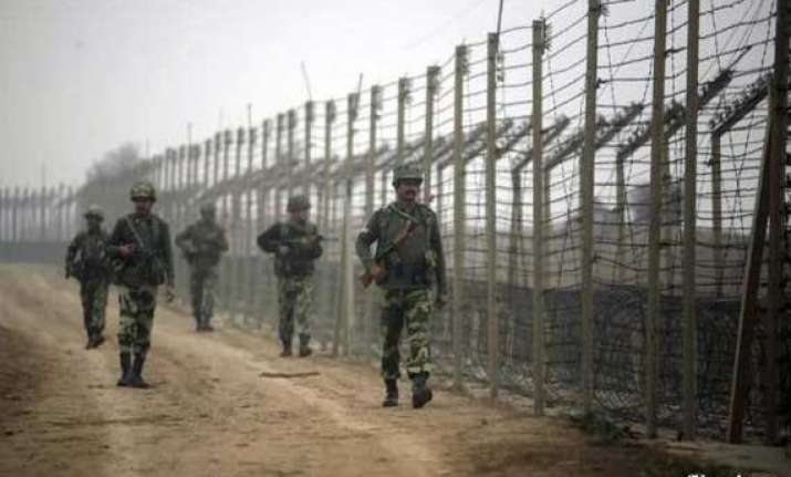 pakistan asks india to exercise restraint along loc