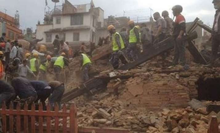 nepal earthquake teenager cousin have miraculous escape