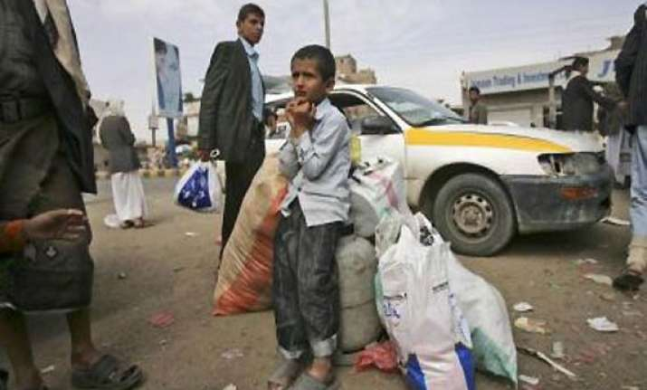 india asks all its nationals to leave yemen