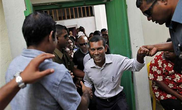 india asks maldives to resolve complex situation peacefully