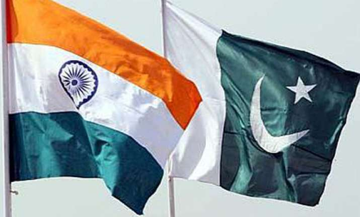 indian pak officials review cbms