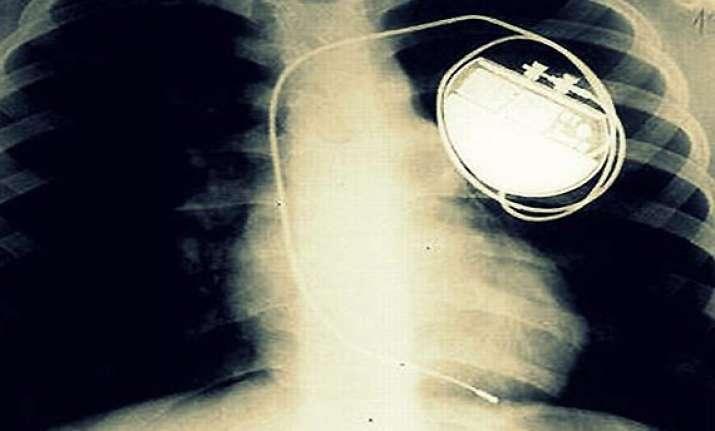 indian origin scientist makes leadless pacemaker