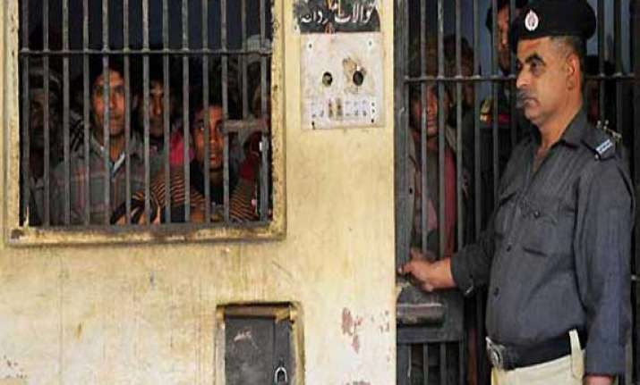 indian prisoner kishore bhagwan found dead in karachi s