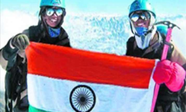 indian sisters become first twins to conquer mt. everest