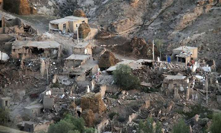 iran raises earthquake death toll to 306