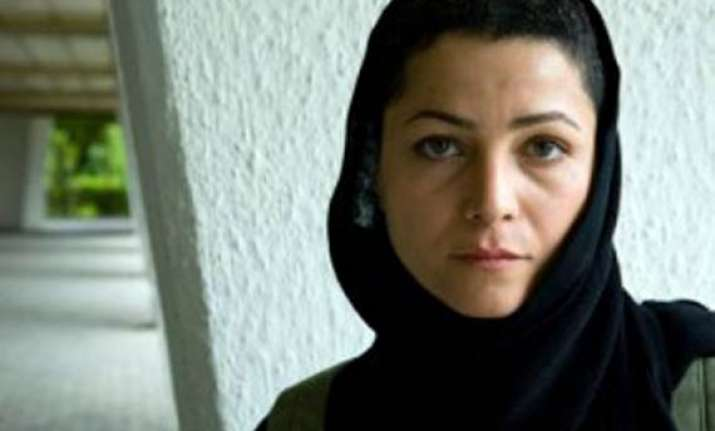 iranian actress to get 90 lashes one year in jail