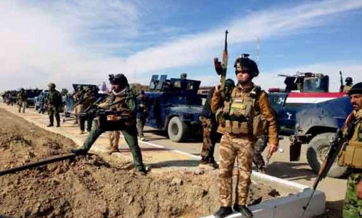 iraq militants kill 46 in attack on sunni mosque
