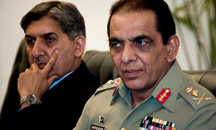 is pak govt planning to sack generals kayani and pasha