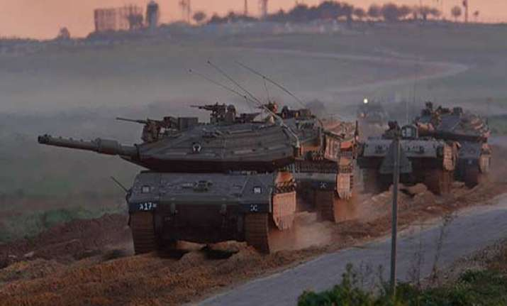 israel resumes airstrikes as five hour temporary truce ends