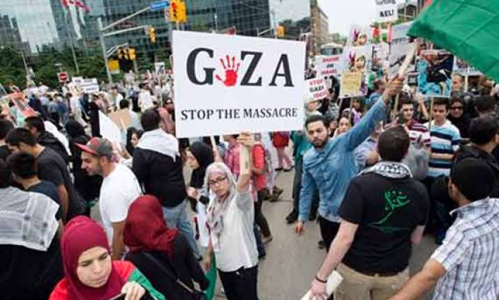 hamas agrees to 24 hour humanitarian truce in gaza toll 1060