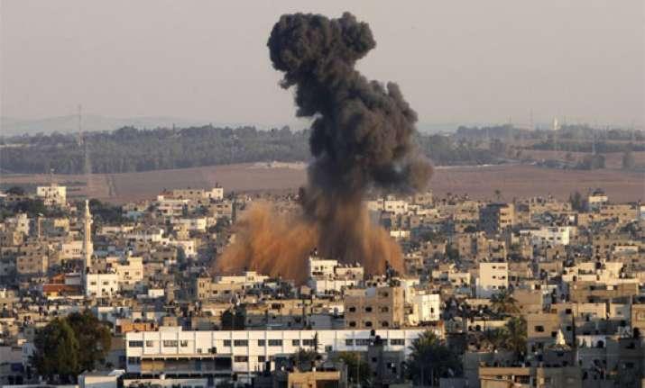 israel intensifies gaza air strikes one more killed