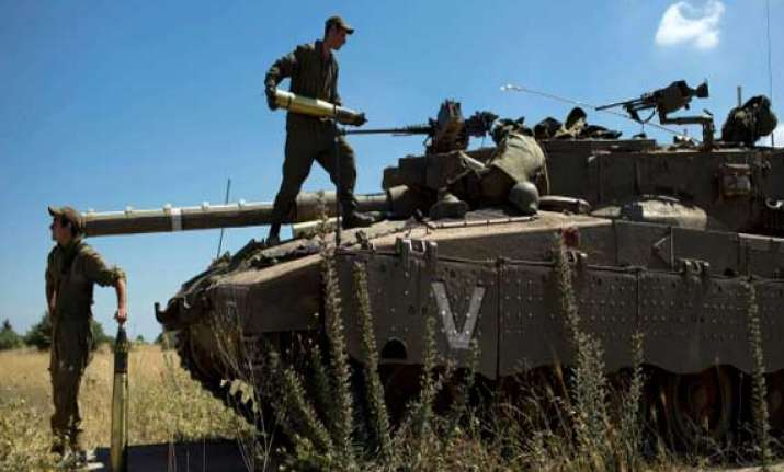 israeli air strikes kill 20 as offensive enters third day