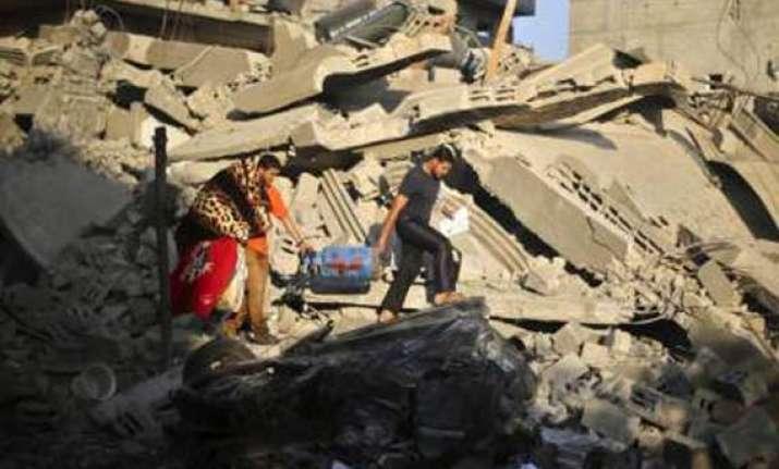 israeli aircraft hit more than 70 targets in gaza