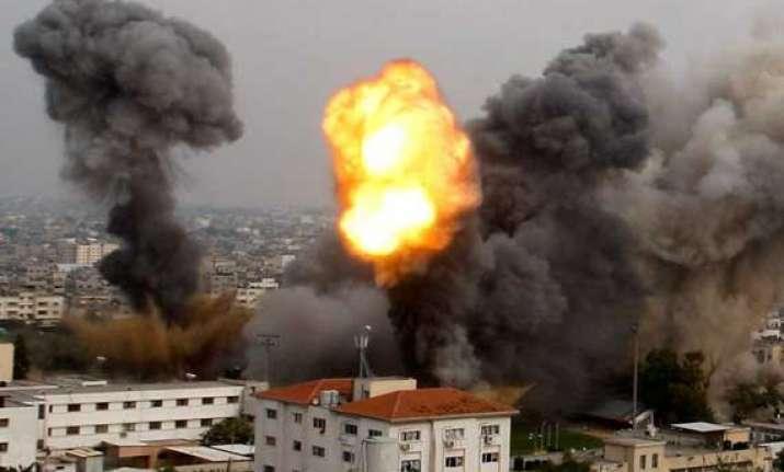 israeli jets bomb gaza death toll reaches 105 in 4 days