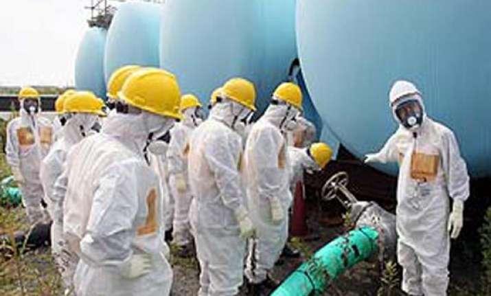 japan pm seeks overseas help on fukushima leak