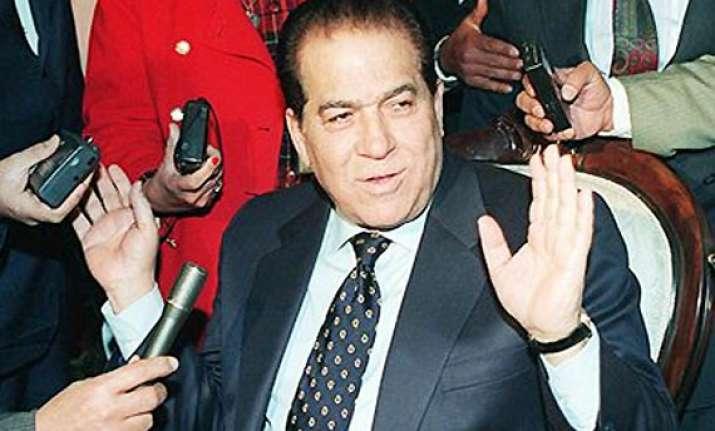 mubarak era premier picked to lead egypt s cabinet
