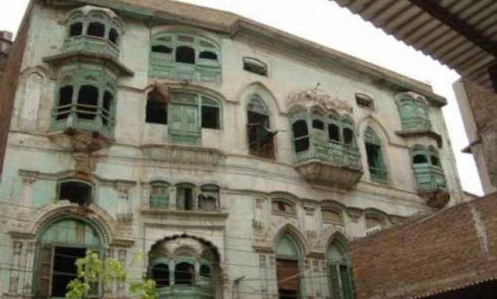 kapoors ancestral home in peshawar crumbling report