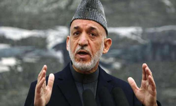 karzai extends pakistan visit